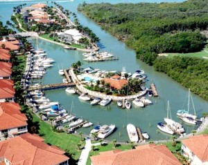 Naples FL Buyers – You don't have to sacrifice the Beach for Golf, or Golf for Boating – Windstar of Naples