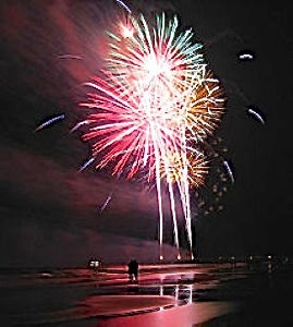 NAPLES, FL – Fourth of July Fireworks and Parade