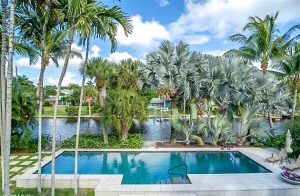 ONE LEVEL CANAL HOMES for SALE in NAPLES, FLORIDA