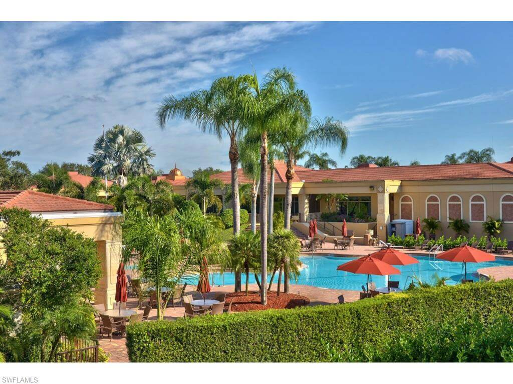 Vineyards clubhouse pool
