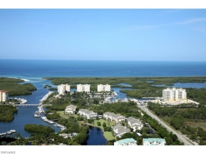 Pets, Beach and Golf – Tarpon Cove / Wiggins Bay in Naples, FL