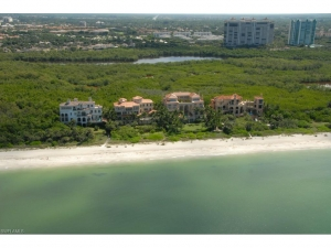 Naples FL – Your Choices in Pelican Bay