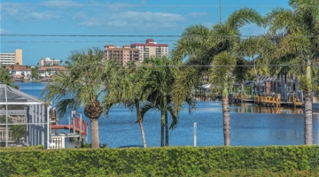 Vacant Waterfront Lots – Build Your Own Custom Home in Naples, Florida